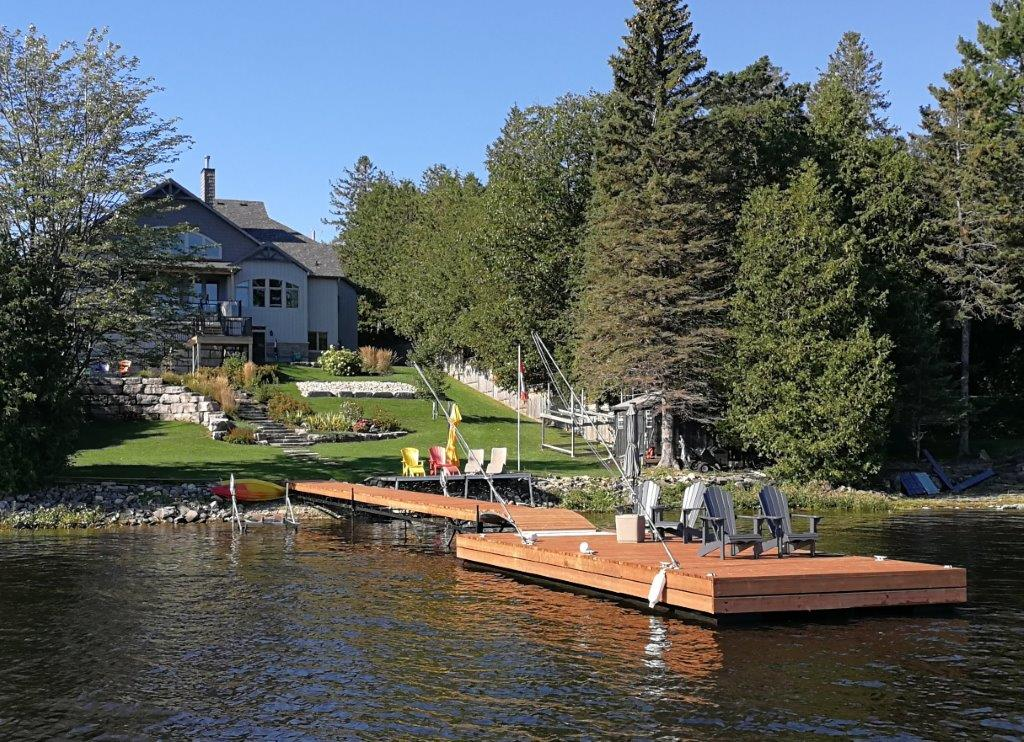 Luxury home on Ottawa River with custom steel floating dock